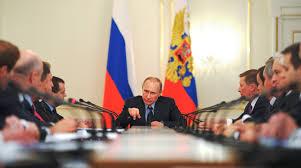 Vladimir Putin presidiendo una reunión de gobierno