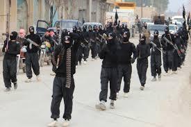 Soldados de la República Islámica desfilando en una ciudad conquistada