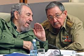 Una foto de Fidel y Raúl Castro