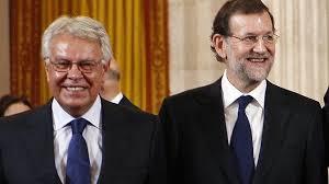 Felipe González y Marianon Rajoy en un acto institucional