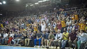 Público en el Camp Nou