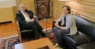 La primera reunió entre Xavier Trias i Ada Colau, després de les eleccions municipals del 24 de maig de 2015