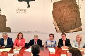 El alcalde interino Xavier Trias junto con Ada Colau y otros cuatro cabezas de lista en Barcelona firman la prolongación del World Mobile Congress