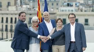 Foto emblemática del acuerdo de la candidatura de Junts pel Sí