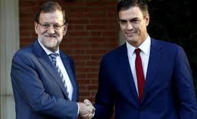 Mariano Rajoy y Pedro Sánchez después de un encuentro reciente en La Moncloa