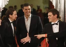 Pedro sánchez rodedo de Pablo Iglesias y Albert Rivera en la gala de los Goyas