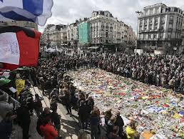 Milers de ciutadans mostren el seu dol per la mort del atemptats de Brussel·les