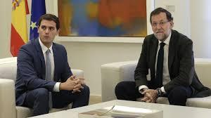 Mariano Rajoy y Albert Rivera intentan desbrozar el camino para una posible investidura en las próximas fechas.