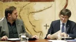 El president Carles Pugdemont y el vicepresident Oriol Junqueras en el momento más delicado y relevante de su alianza política