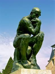 Escultura de Auguste Rodin, el Pensador, en el museo Rodin de París