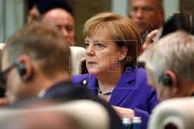 Angela Merkel se presentará a las elecciones de 2017 en las que posicblemente no gobernarán ni François Hollande ni Mateo Renzi