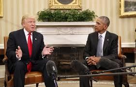 Barack Obama i Donald Trump es van saludar per primera vegada a la Casa Blanca el dilluns passat peer preparar la transició que es produirà el 20 de gener