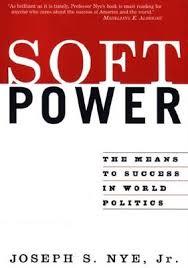 """El poder tou, el """"soft power"""" va ser un dels components de la extensió de la cultura i la política nord americana. L'autor del concepte és Joseph Nye"""