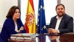 Soraya Sáenz de Santamaria y Oriol Junqueras en una de las últimas reuniones en Barcelona
